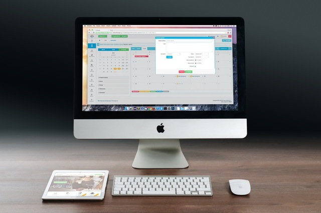 An iMac with a calendar application open